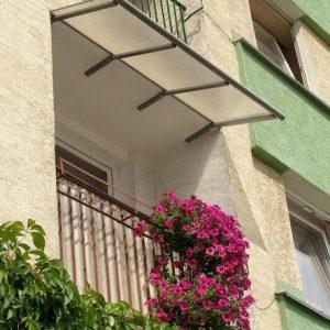 daszek balkonowy, daszek nad balkonem cena, zadaszenie balkonu w bloku, zadaszenie balkonu cena