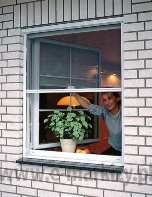moskitiera okienna dachowa