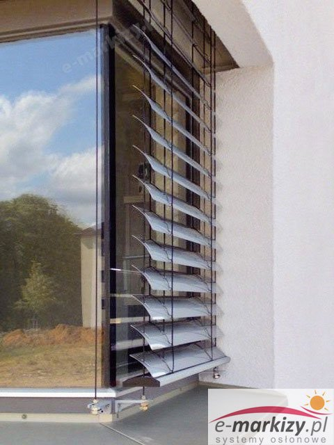 Prowadnica linkowa żaluzja fasadowa okno narożne