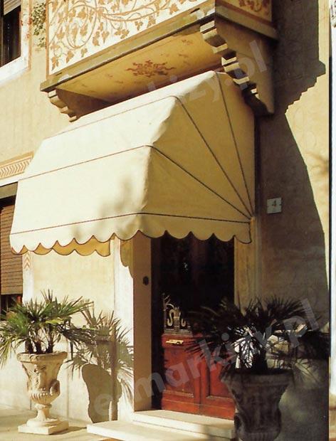 markiza koszowa prosta mol realizacja markizy nad drzwi markiza na balkon
