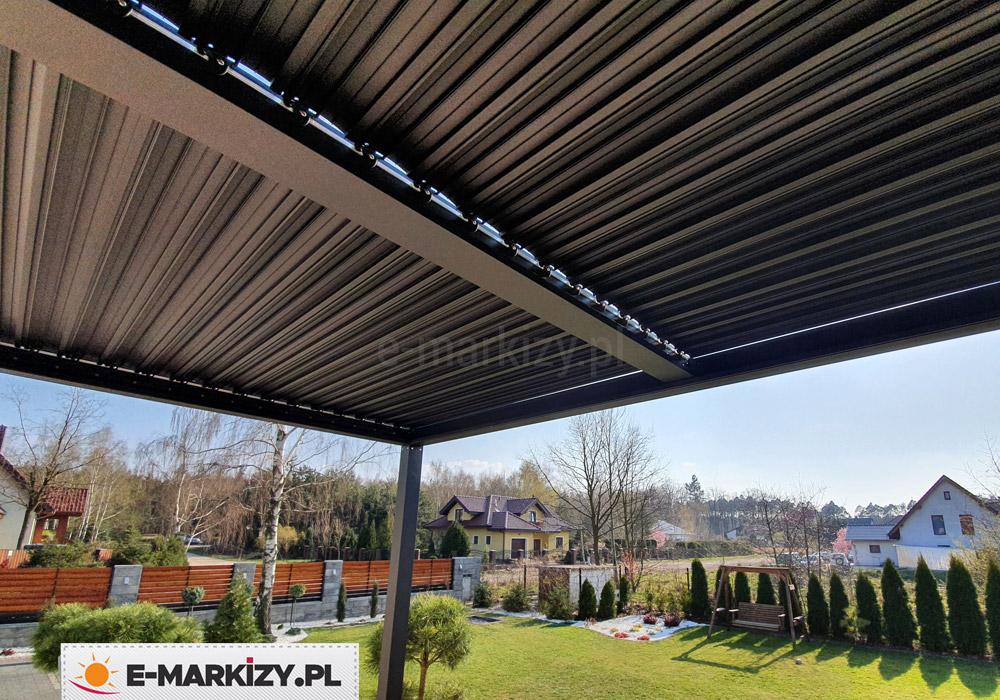 Zadaszenie tarasu dach lamelowy, zadaszenie z ruchomymi panelami, regular