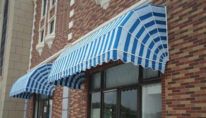 Osłona markizowa nad witrynę sklepową, Markiza restauracyjna koszowa, Markiza nad oknem sklepu, markiza nad oknem sklepowym